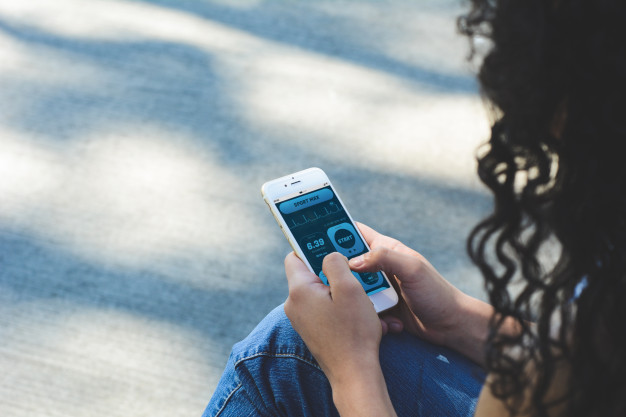 Best phone tracker app to protect teens from cyber predators